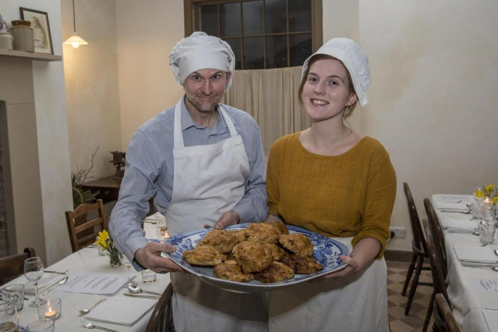 Serving pies the historic way